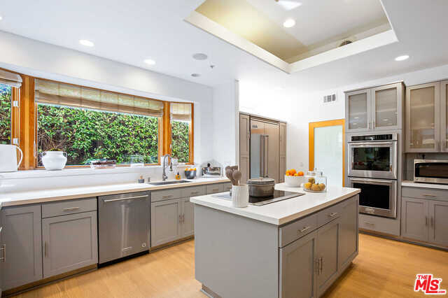 Photo of 938 Galloway St, Pacific Palisades, CA 90272