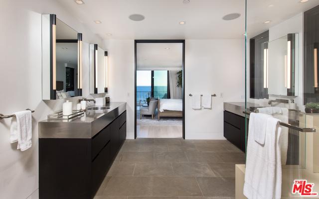 32852 PACIFIC COAST HIGHWAY, MALIBU, California 90265, 4 Bedrooms Bedrooms, ,4 BathroomsBathrooms,Residential,For Sale,PACIFIC COAST HIGHWAY,20-637320