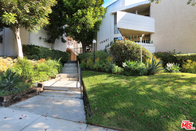 Photo of 10521 National Blvd #112, Los Angeles, CA 90034