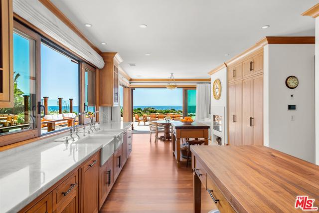 31118 Broad Beach Rd, Malibu, California 90265, 5 Bedrooms Bedrooms, ,14 BathroomsBathrooms,Residential,For Sale,Broad Beach,20-638102
