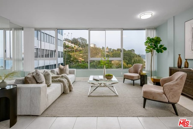 17350 Sunset Blvd, Pacific Palisades, California 90272, 1 Bedroom Bedrooms, ,1 BathroomBathrooms,Residential,For Sale,Sunset,20-639918