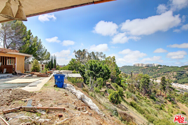 Photo of 1393 CASIANO RD, LOS ANGELES, CA 90049
