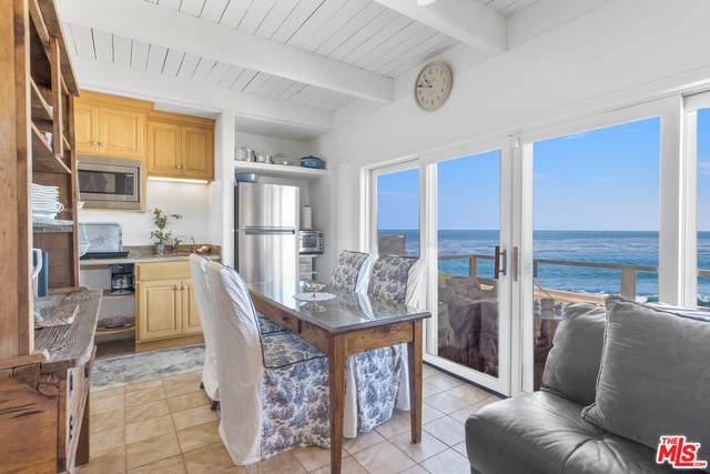 11862 Beach Club Way, Malibu, California 90265, 3 Bedrooms Bedrooms, ,3 BathroomsBathrooms,Residential,For Sale,Beach Club,20-640904