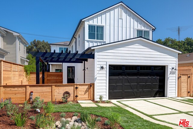 Photo of 3732 Colonial Ave, Los Angeles, CA 90066