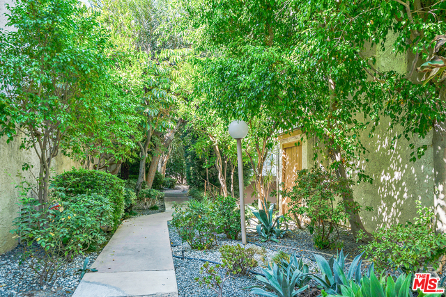 Photo of 5321 Coldwater Canyon Ave #D, Sherman Oaks, CA 91401