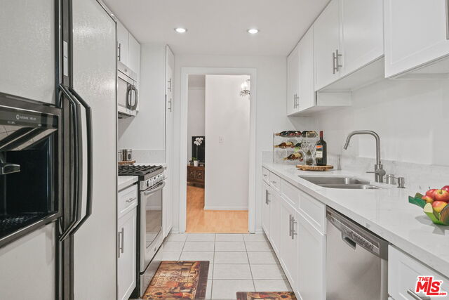 Photo of 1161 Amherst Ave #203, Los Angeles, CA 90049