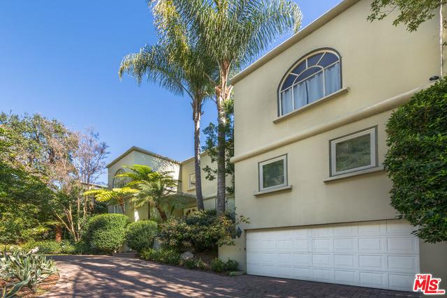 Photo of 1332 San Ysidro Dr, Beverly Hills, CA 90210