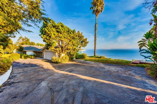 3662 Sweetwater Canyon Dr, Malibu, California 90265, 3 Bedrooms Bedrooms, ,2 BathroomsBathrooms,Residential,For Sale,Sweetwater Canyon,20-641930