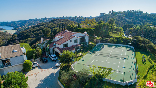 Photo of 14820 Mulholland Dr, BEL AIR, CA 90077
