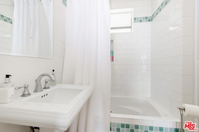 19834 PACIFIC COAST HWY, MALIBU, California 90265, 3 Bedrooms Bedrooms, ,2 BathroomsBathrooms,Residential Lease,For Sale,PACIFIC COAST,20-643302