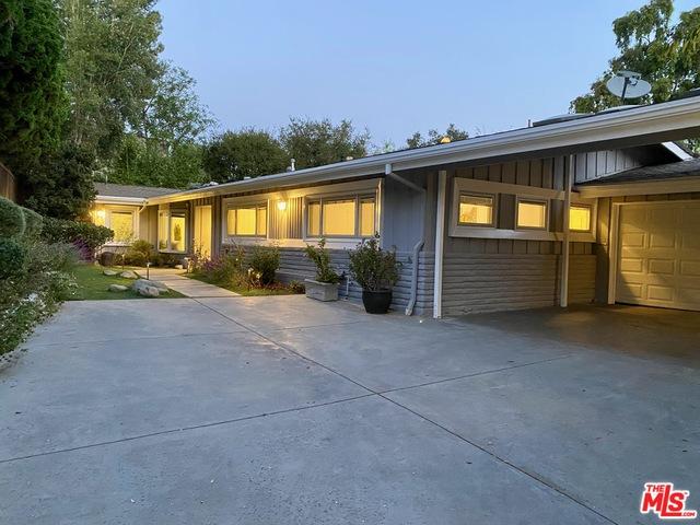 Photo of 3593 Stonewood Dr, Sherman Oaks, CA 91403
