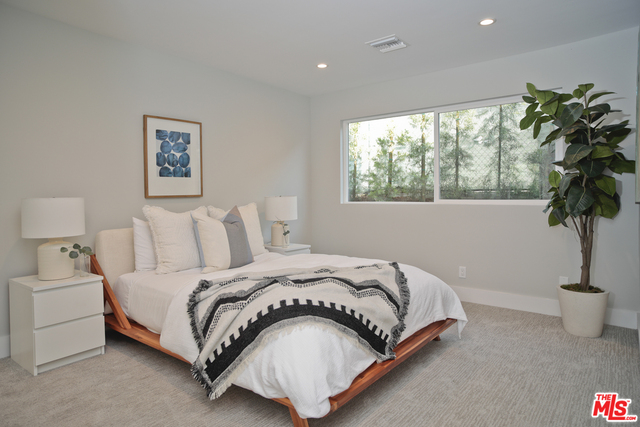 18162 Kingsport Dr, Malibu, California 90265, 3 Bedrooms Bedrooms, ,2 BathroomsBathrooms,Residential,For Sale,Kingsport,20-644798
