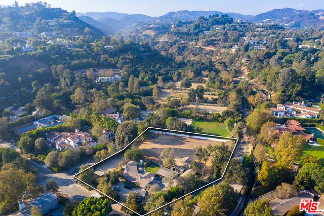 Photo of 13181 Riviera Ranch Rd, Los Angeles, CA 90049