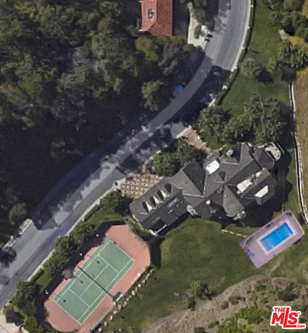 Photo of 1323 Moraga Dr, Los Angeles, CA 90049