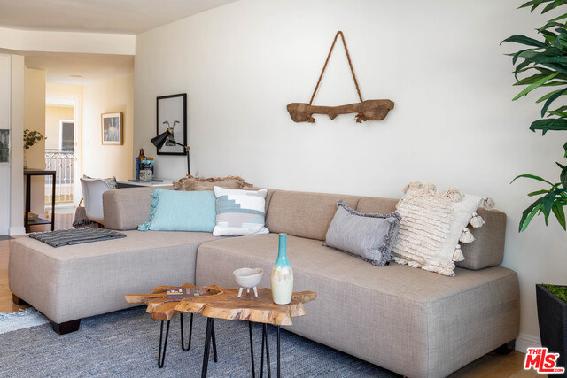 Photo of 11646 Chenault St #28, Los Angeles, CA 90049