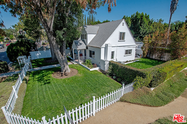Photo of 4504 Mammoth Ave, Sherman Oaks, CA 91423