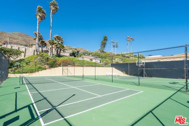 11770 Pacific Coast Hwy, Malibu, California 90265, 3 Bedrooms Bedrooms, ,3 BathroomsBathrooms,Residential,For Sale,Pacific Coast,20-647902