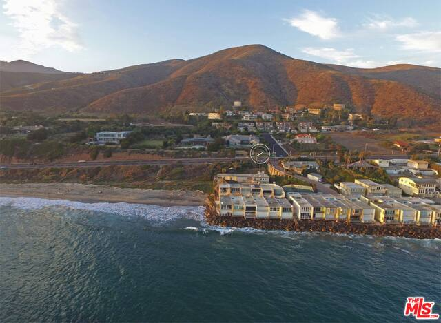 11770 Pacific Coast Hwy, Malibu, California 90265, 3 Bedrooms Bedrooms, ,3 BathroomsBathrooms,Residential,For Sale,Pacific Coast,20-647902
