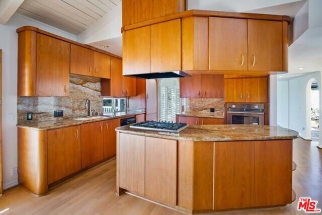 6415 Surfside Way, Malibu, California 90265, 3 Bedrooms Bedrooms, ,2 BathroomsBathrooms,Residential Lease,For Sale,Surfside,20-648078
