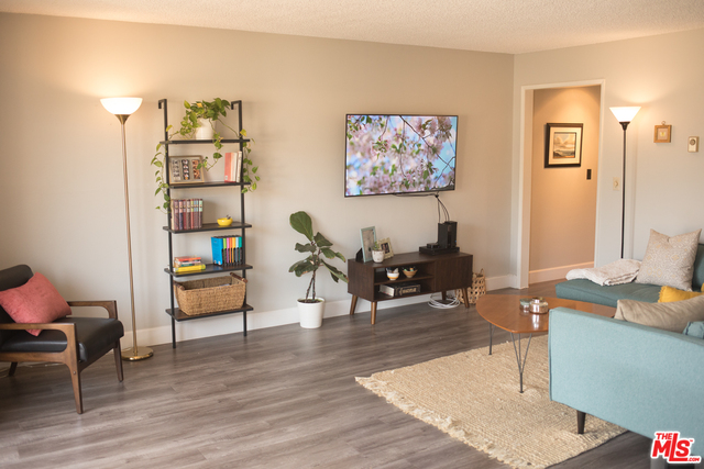 Photo of 3734 S Canfield Ave #222, Los Angeles, CA 90034
