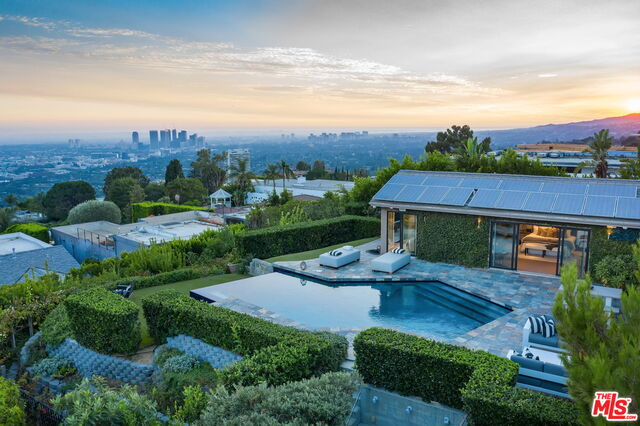 Photo of 9000 Hopen Pl, Los Angeles, CA 90069