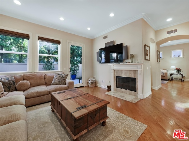 Photo of 2124 Butler Ave, Los Angeles, CA 90025