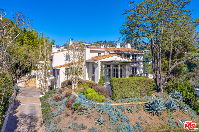 Photo of 1235 Tower Rd, Beverly Hills, CA 90210
