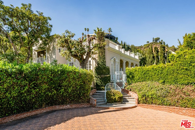 Photo of 1307 N Doheny Dr, Los Angeles, CA 90069