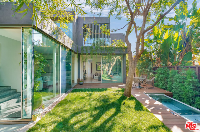 Photo of 8709 Rangely Ave, West Hollywood, CA 90048