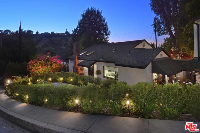 Photo of 15265 Rayneta Dr, Sherman Oaks, CA 91403