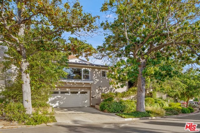 Photo of 10362 Mississippi Ave, Los Angeles, CA 90025