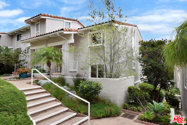 Photo of 28382 Rey De Copas Ln, Malibu, CA 90265