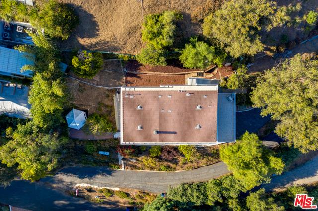 21733 Castlewood Dr, Malibu, California 90265, 4 Bedrooms Bedrooms, ,3 BathroomsBathrooms,Residential,For Sale,Castlewood,20-652994
