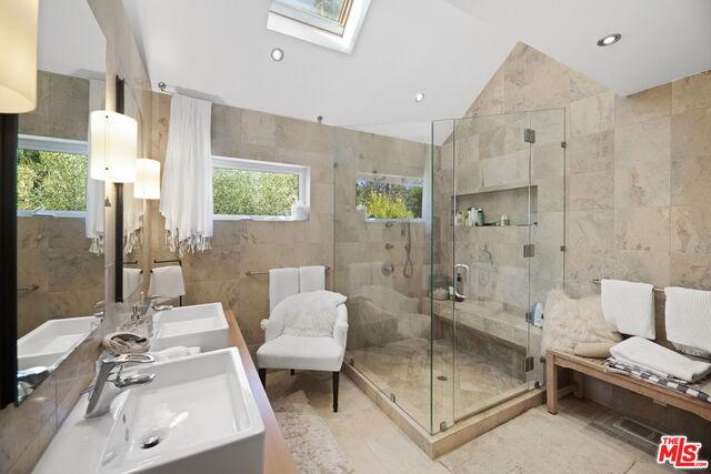 6440 Via Escondido Dr, Malibu, California 90265, 4 Bedrooms Bedrooms, ,4 BathroomsBathrooms,Residential,For Sale,Via Escondido,20-654804