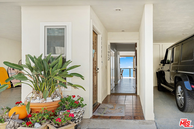 11932 Whitewater Lane, MALIBU, California 90265, 2 Bedrooms Bedrooms, ,2 BathroomsBathrooms,Residential,For Sale,Whitewater Lane,20-655002