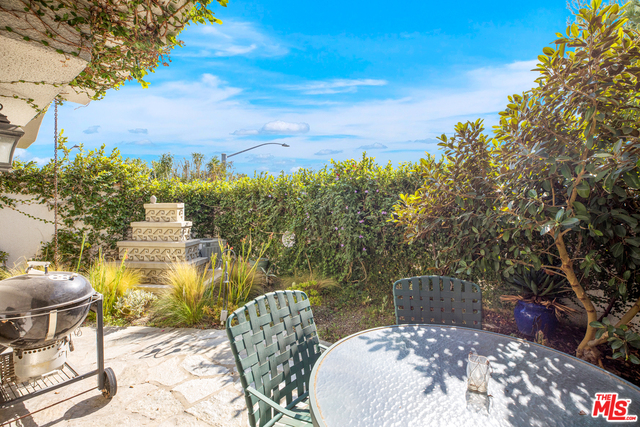 6435 Zumirez Dr, Malibu, California 90265, 2 Bedrooms Bedrooms, ,3 BathroomsBathrooms,Residential,For Sale,Zumirez,20-656274