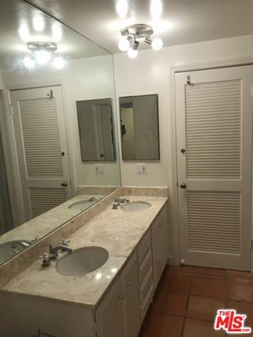 23926 De Ville Way, Malibu, California 90265, 1 Bedroom Bedrooms, ,2 BathroomsBathrooms,Residential,For Sale,De Ville,20-656794