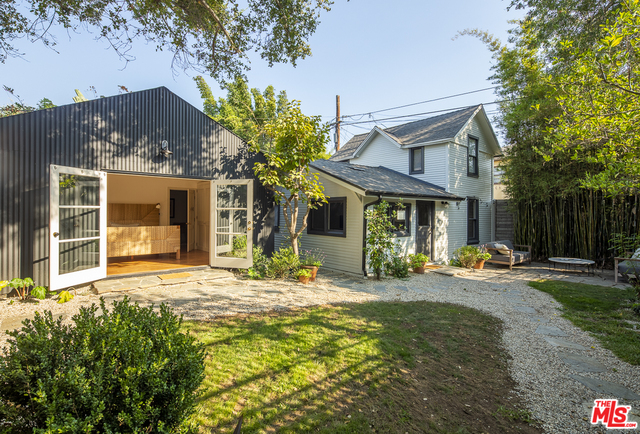 Photo of 4548 Melbourne Ave, Los Angeles, CA 90027