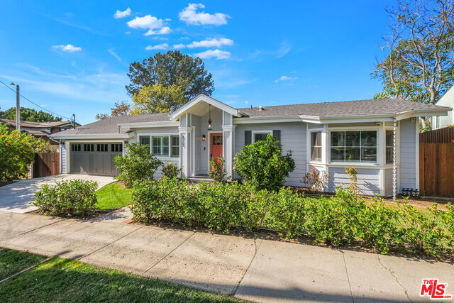 Photo of 825 Radcliffe Ave, Pacific Palisades, CA 90272