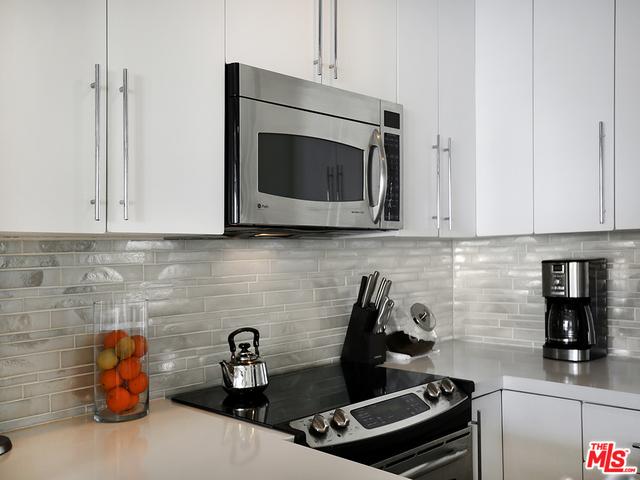11958 OCEANAIRE LN, MALIBU, California 90265, 2 Bedrooms Bedrooms, ,2 BathroomsBathrooms,Residential,For Sale,OCEANAIRE,20-661052