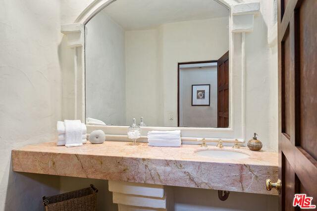 3211 Retreat Ct, Malibu, California 90265, 6 Bedrooms Bedrooms, ,7 BathroomsBathrooms,Residential,For Sale,Retreat,20-662002