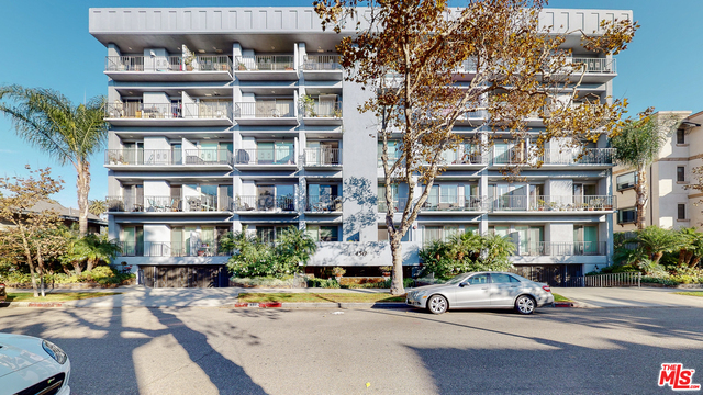 Photo of 450 S Maple Dr #303, Beverly Hills, CA 90212