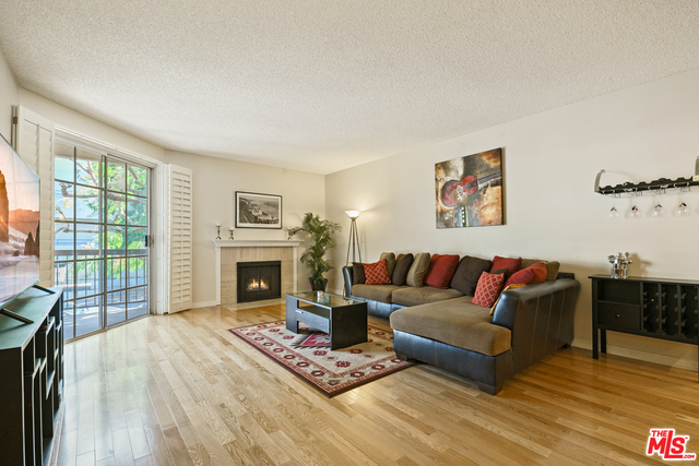 Photo of 10021 Tabor St #108, Los Angeles, CA 90034
