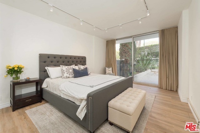 17368 Sunset Blvd, Pacific Palisades, California 90272, 1 Bedroom Bedrooms, ,1 BathroomBathrooms,Residential,For Sale,Sunset,20-662650