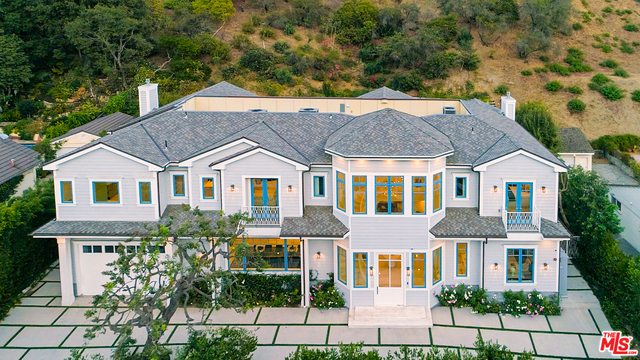 Photo of 930 Roscomare Rd, Los Angeles, CA 90077