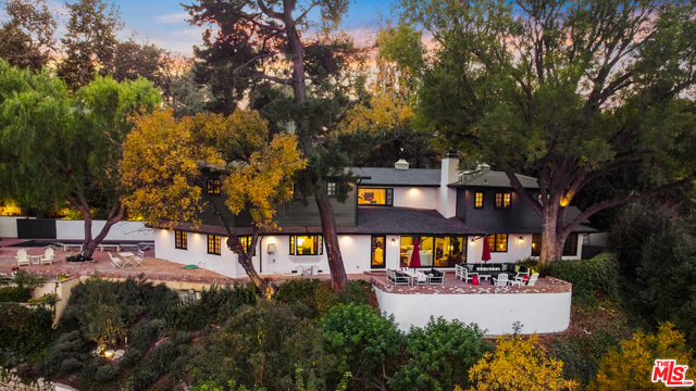 Photo of 12948 Galewood St, Studio City, CA 91604