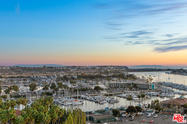 Photo of 13700 Marina Pointe Dr #1531, Marina Del Rey, CA 90292