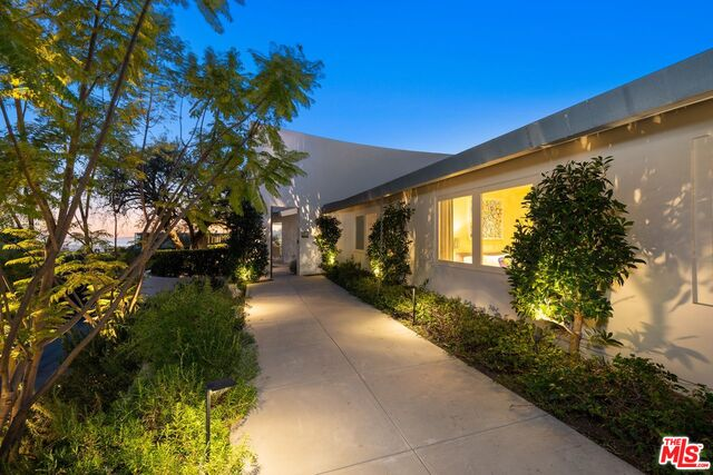 Photo of 11496 Orum Rd, LOS ANGELES, CA 90049