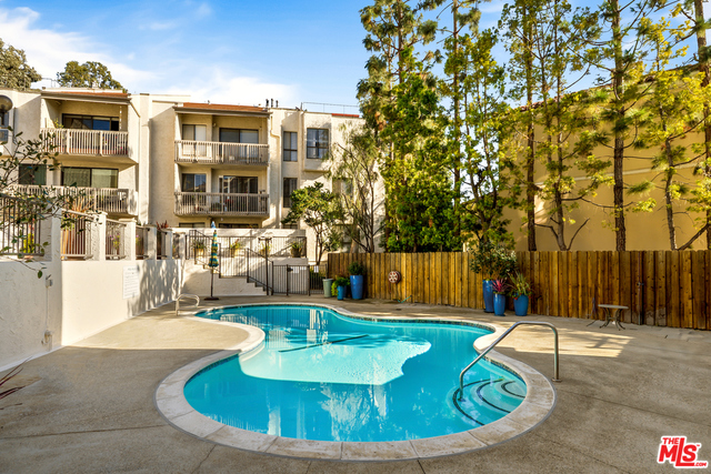 15515 Sunset Blvd, Pacific Palisades, California 90272, 2 Bedrooms Bedrooms, ,3 BathroomsBathrooms,Residential Lease,For Sale,Sunset,20-666640