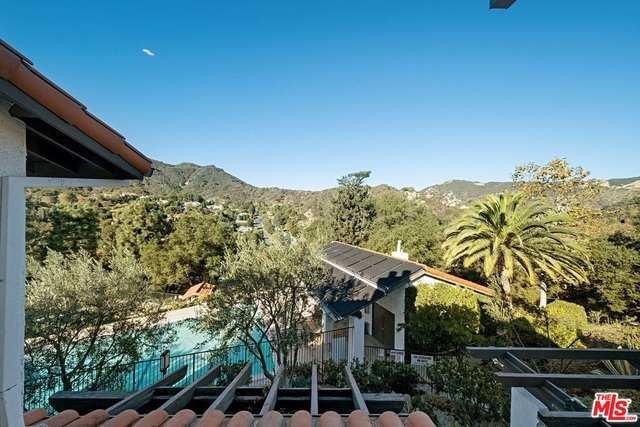 1619 Michael Ln, Pacific Palisades, California 90272, 3 Bedrooms Bedrooms, ,3 BathroomsBathrooms,Residential,For Sale,Michael,20-666932